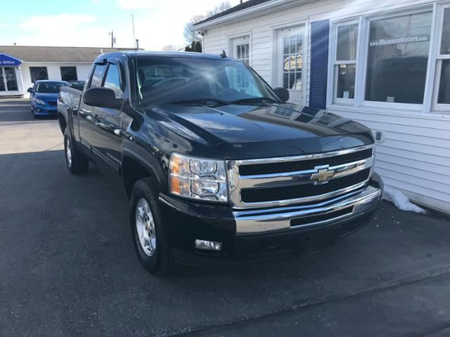 Pre-Owned 2009 Chevrolet Silverado 1500 4WD Ext Cab 143.5 LT